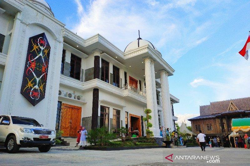 Rujab megah Bupati Kotim dijadikan tempat istirahat tim medis COVID-19