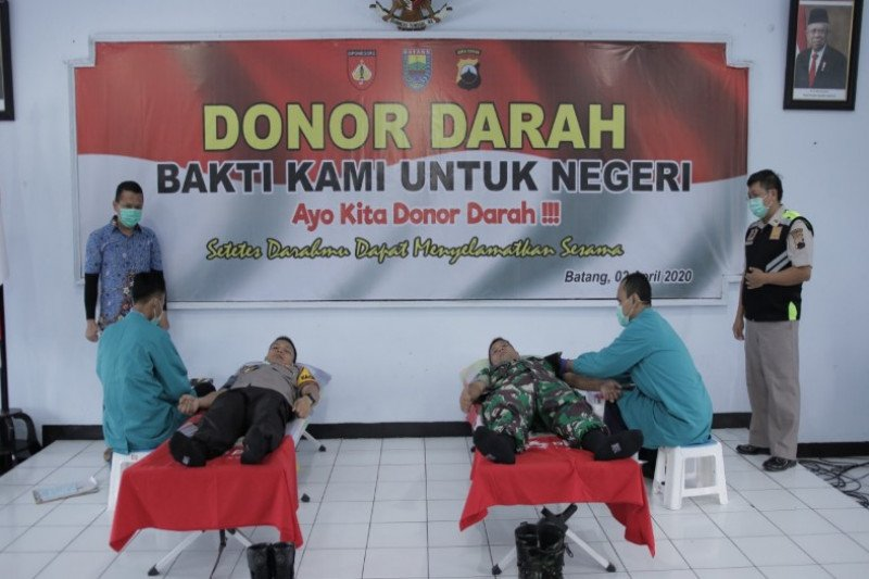 Personel Polres dan Kodim Batang sumbang 71 kantong  darah