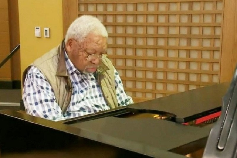 Musisi jazz Ellis meninggal dunia karena virus corona