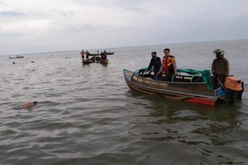 Kapten kapal ditemukan tewas mengapung di Desa Sungai Laut Inhil