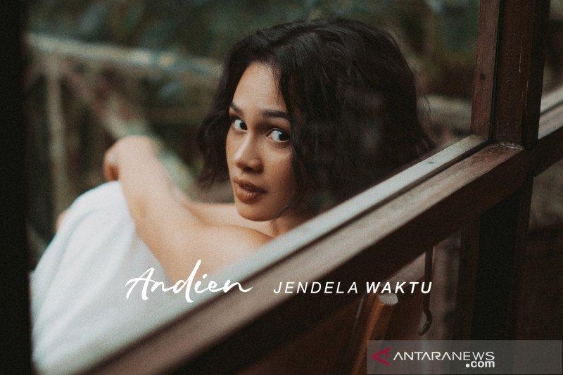 "Andien merilis single terbaru ""Jendela Waktu"""