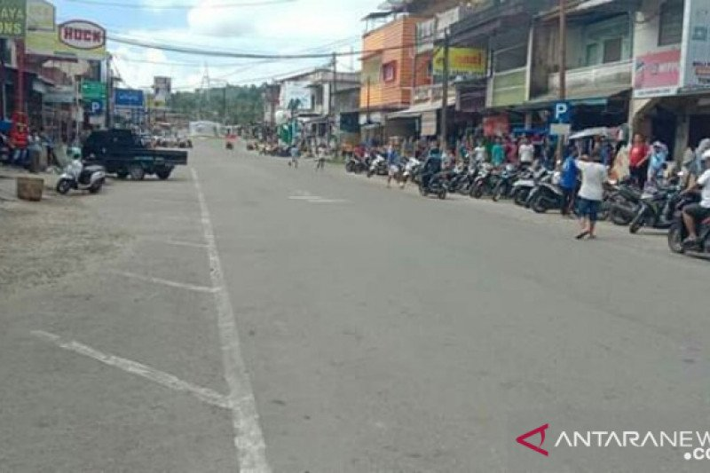 Diprotes warga, penutupan dua jalan utama di Gunungsitoli dibatalkan