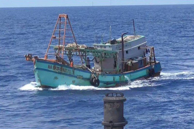 KKP melumpuhkan dua kapal ikan berbendera Vietnam  di Laut Natuna