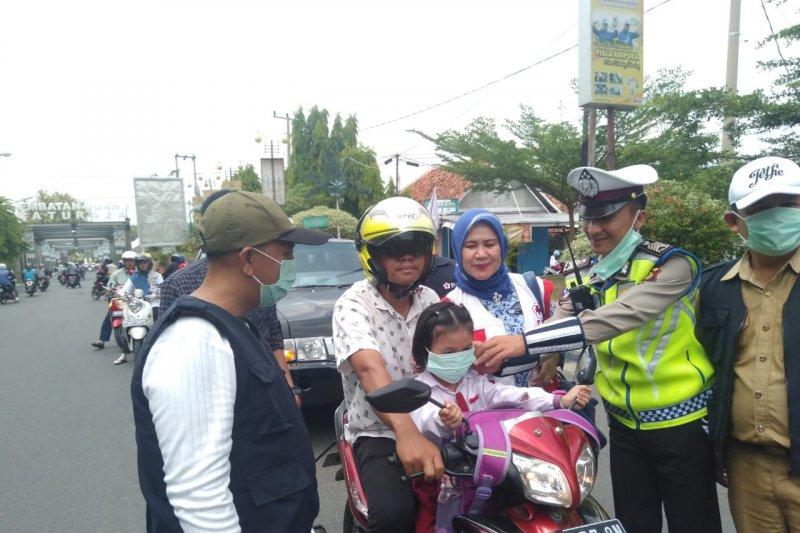 PMI Ogan Komering Ulu salurkan  masker gratis