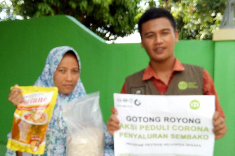 Inisiatif Zakat Indonesia Lampung bagikan paket bahan pokok