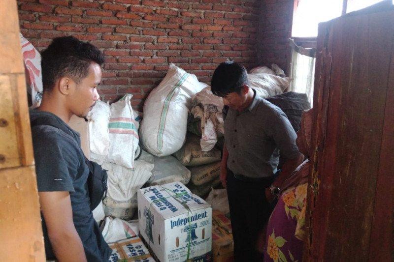 Ratusan botol miras siap jual diamankan Polres Bima