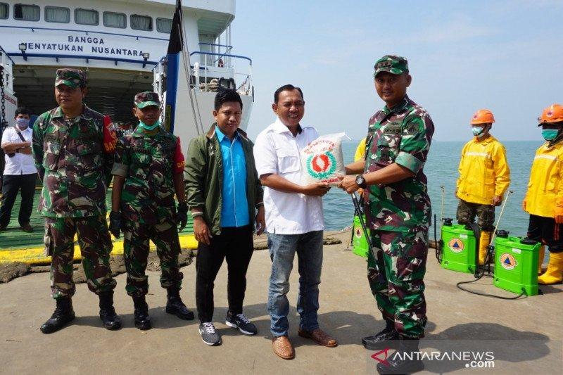 Warga Karimunjawa Jepara terima bantuan 1,2 ton beras
