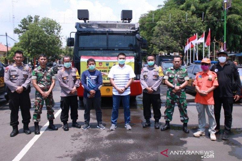 Polres dan DPRD Batang lakukan penyemprotan disinfektan jalan protokol