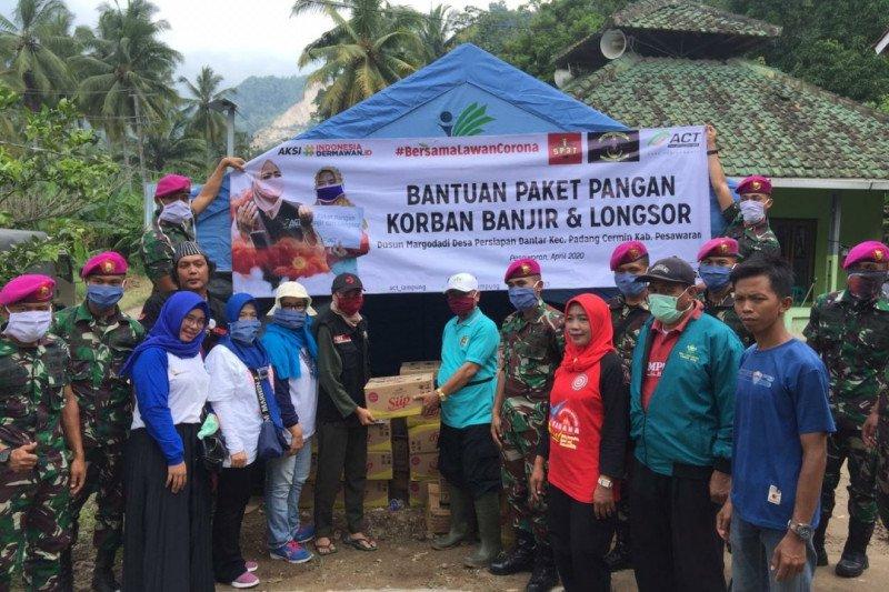 ACT Lampung bersama Yonif 9 Marinir berikan bantuan sembako kepada korban banjir