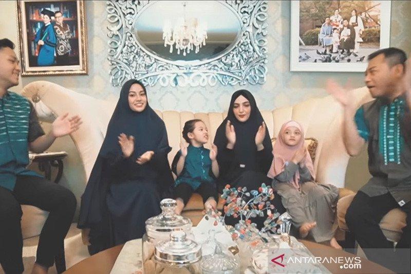 Keluarga Anang Hermansyah rilis lagu di tengah pandemi ...