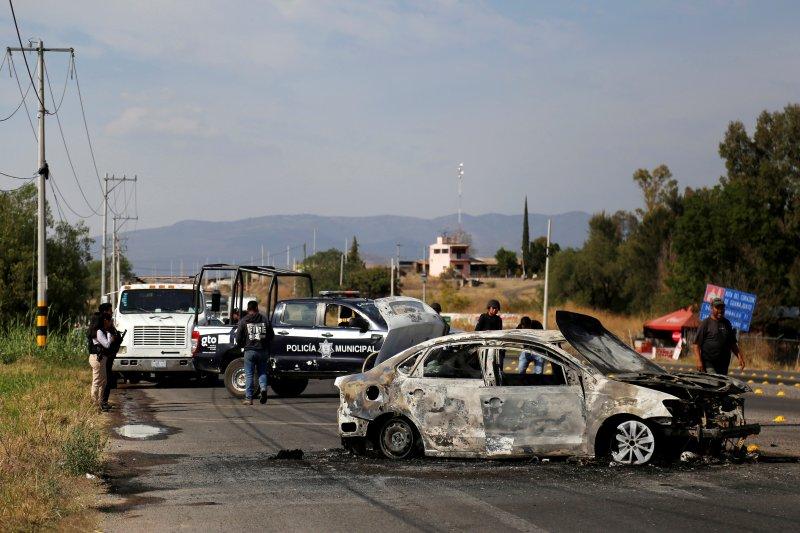 Sebanyak 12  jasad ditemukan di mobil yang ditinggalkan di Meksiko