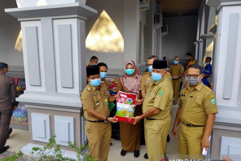 Bupati Siak galang 1400 paket sembako untuk ODP COVID-19