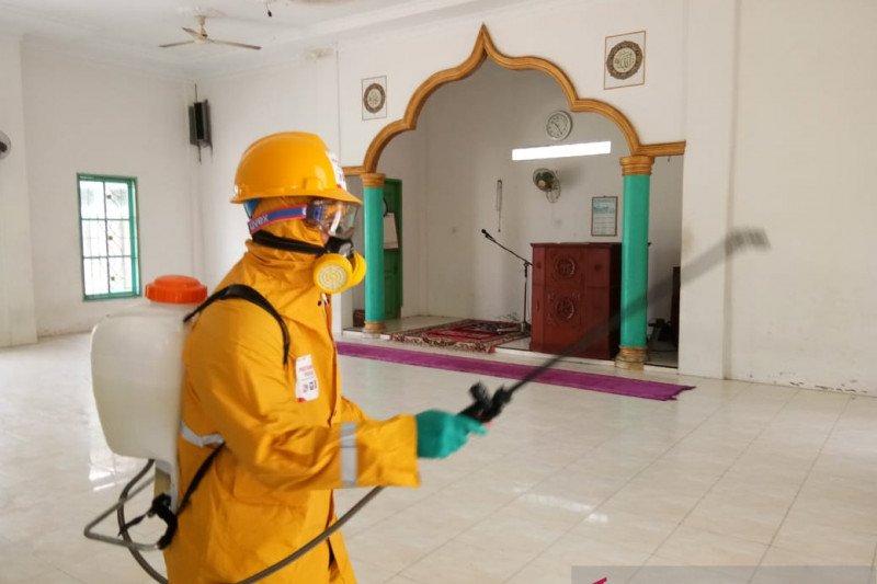 Pertamina Dumai sudah semprotkan disinfektan di 30 lokasi