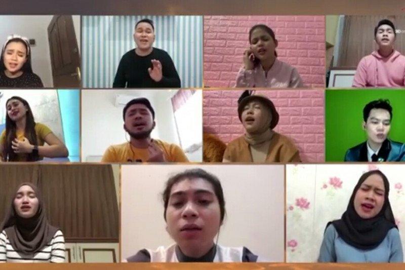"19 penyanyi dangdut kolaborasi menyanyikan ""Ibu Pertiwi"""