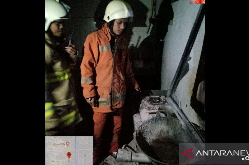 Dua karyawan alami luka bakar akibat tersambar api