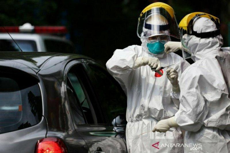 Swab test Corona bagi sopir taksi Tangerang