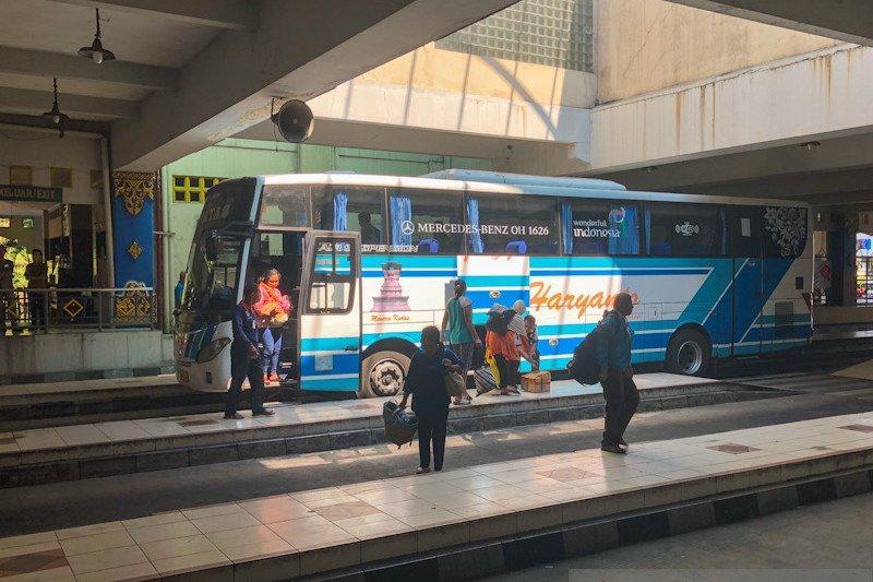 Penumpang bus dan kereta di Yogyakarta wajib memakai masker