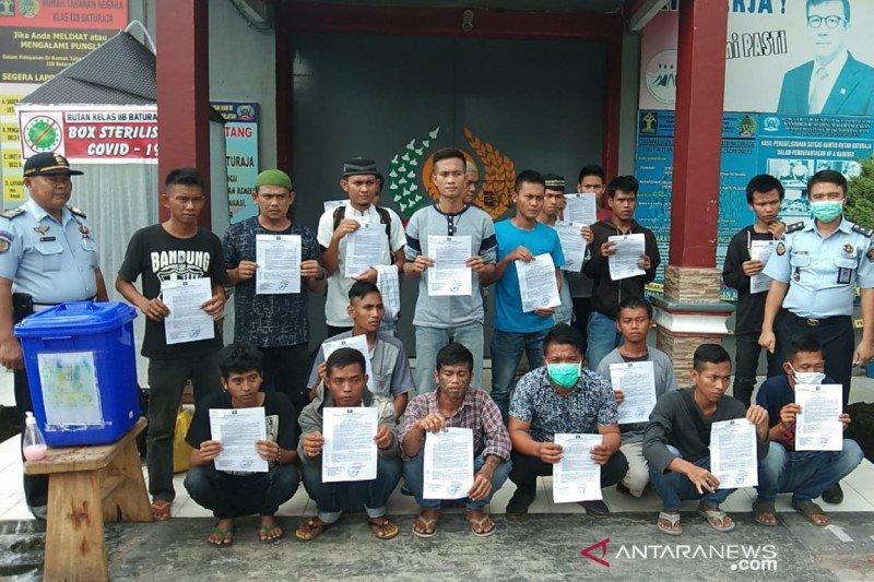 Sebanyak 44 narapidana di Rutan Baturaja hirup udara bebas