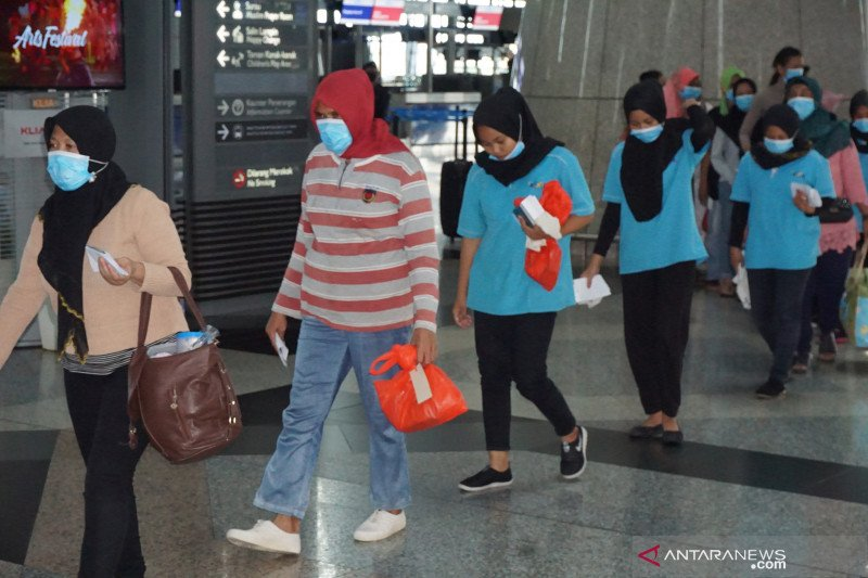 Tak miliki permit dan 'over stay', 1.038 TKI ilegal dideportasi dari Malaysia