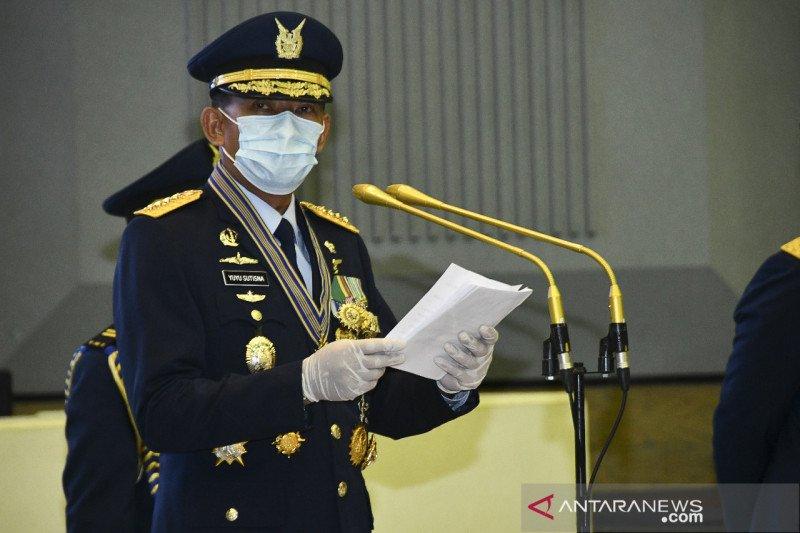 TNI AU ganti rugi rumah warga rusak tertimpa pesawat jatuh
