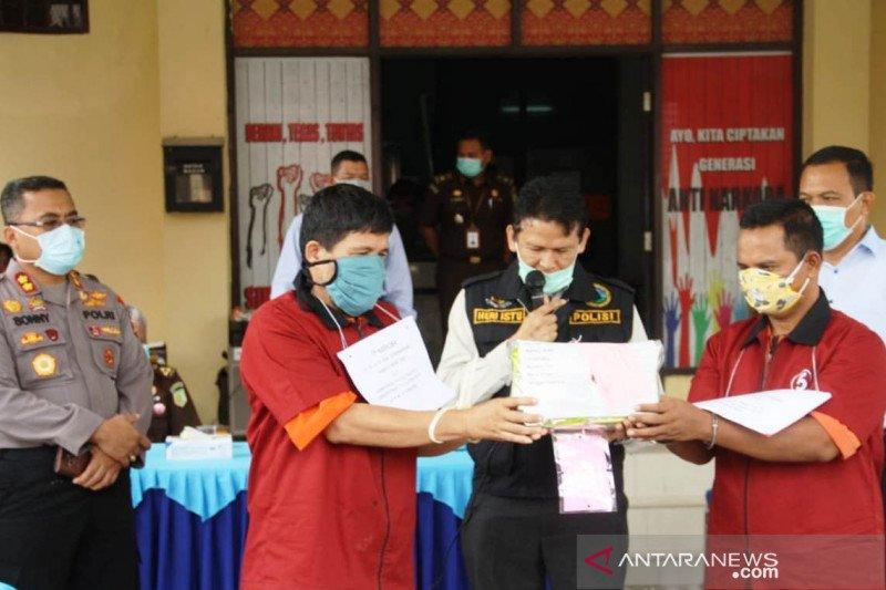 Tim Ditresnarkoba Polda Sumsel tangkap dua kurir sabu dari Padang