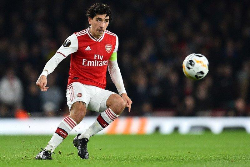 Atletico dan Sevilla inginkan gunakan jasa pemain bertahan Arsenal
