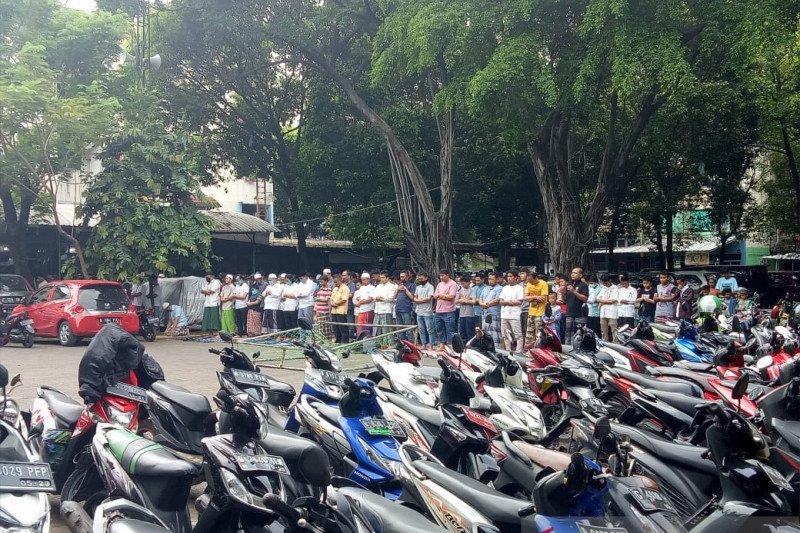 Langgar PSBB, 20 persen masjid di Jakarta pusat masih adakan Shalat Jumat