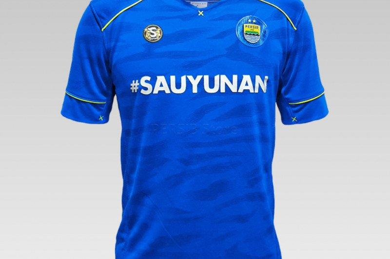 Persib Bandung meluncurkan jersey khusus bantu penanganan COVID-19
