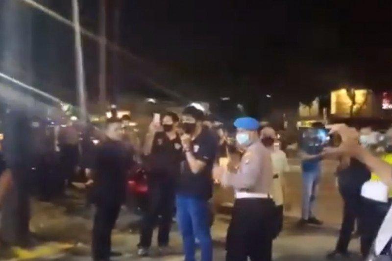 Aparat gabungan bubarkan kerumunan warga di berbagai wilayah DKI