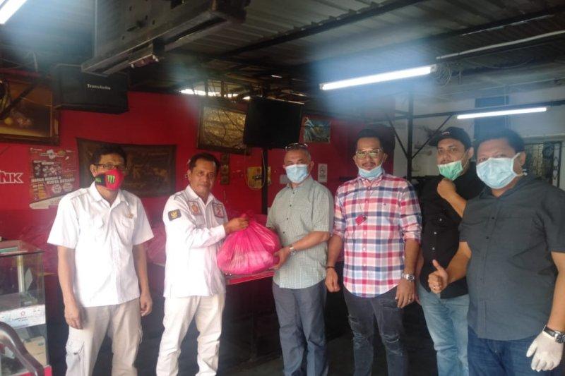 Anggota DPRD Selangor dan Perak bantu TKI terdampak COVID-19