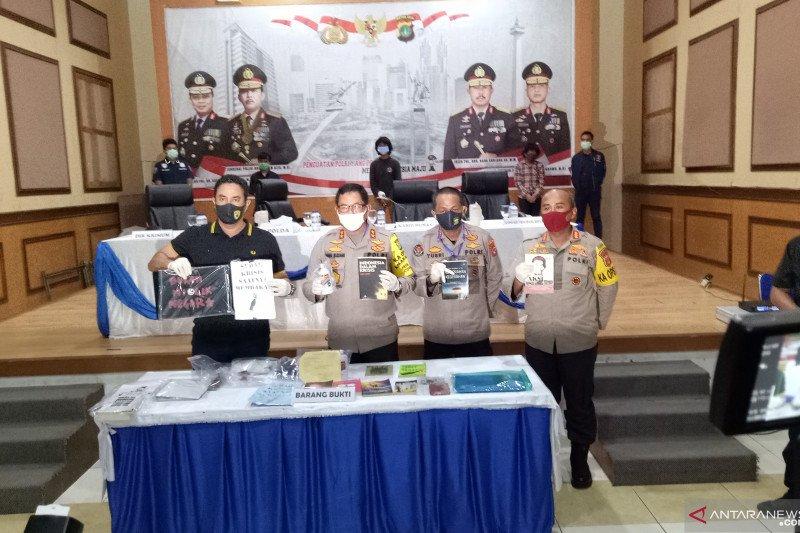 Polda Metro Jaya ungkap kejahatan terorganisir setelah menangkap lima pemuda