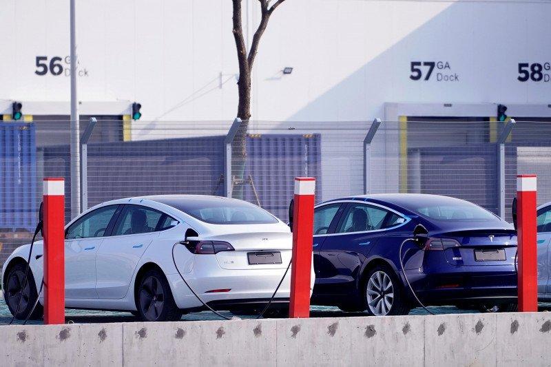 Tesla Mulai Jual Kendaraan Di China