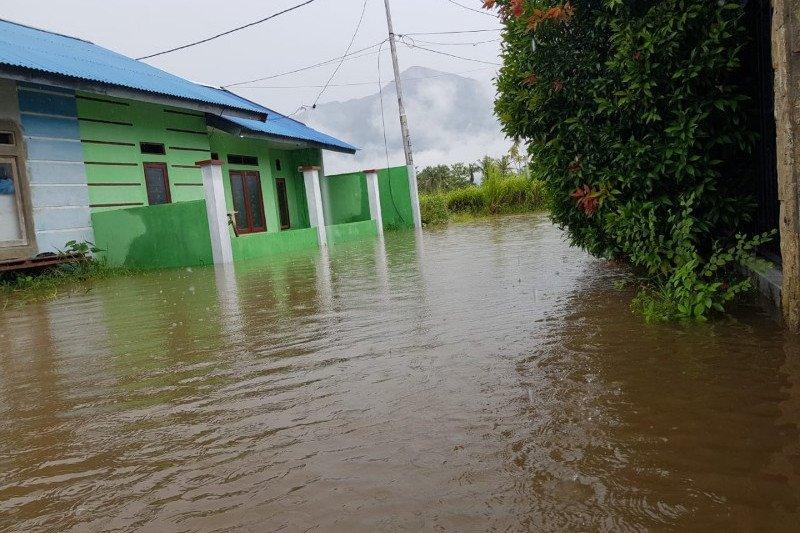 Ratusan rumah di kawasan BTN Gajah Mada Sentani terendam banjir