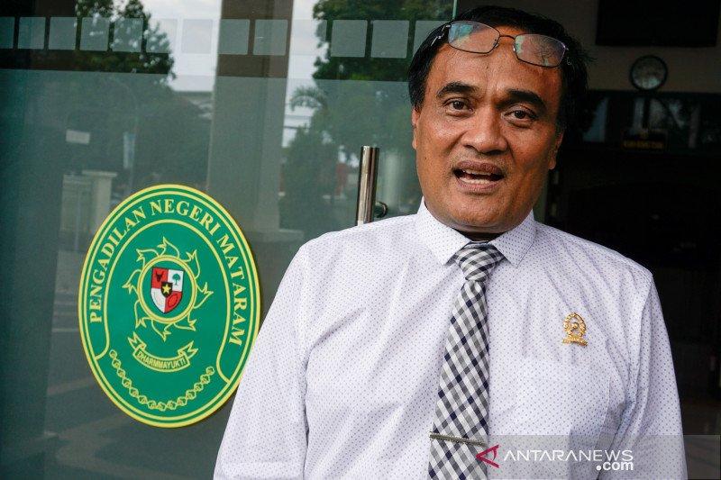 Dua terdakwa korupsi LCC mengajukan status tahanan kota