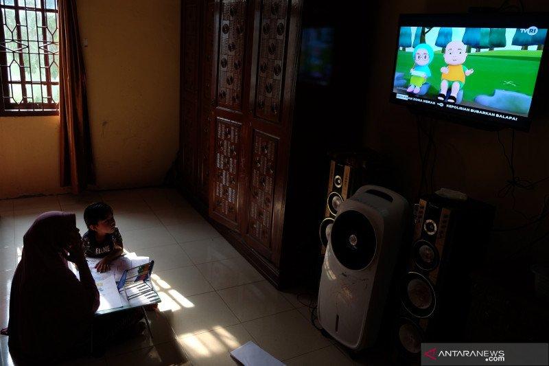 Belajar Melalui Siaran TVRI