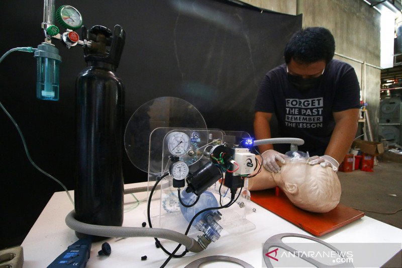 200 ventilator produksi lokal siap digunakan pada akhir April untuk pasien COVID-19
