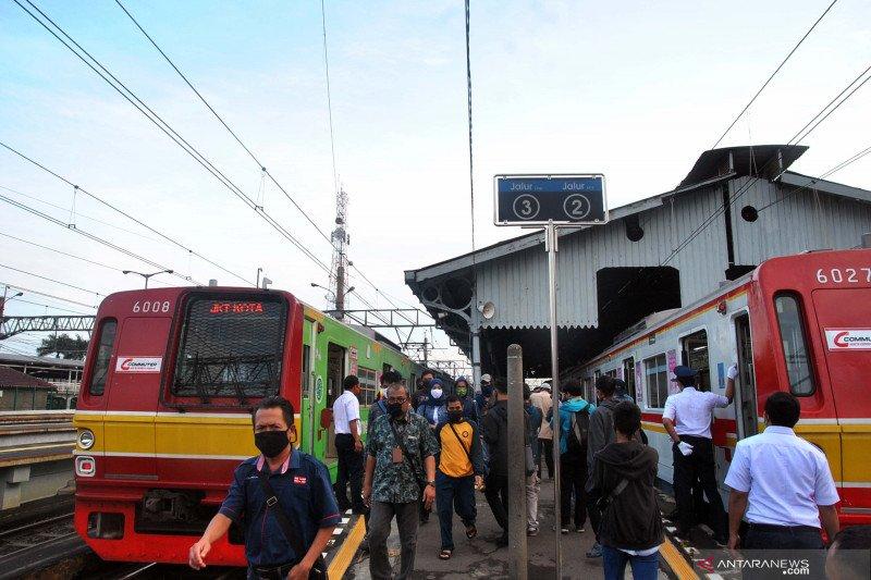 Bupati Bogor desak Kemenhub kaji ulang aturan operasional KRL saat PSBB