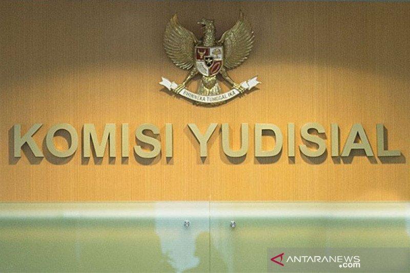 Berikut 7 nama calon anggota KY ke DPR yang diserahkan Presiden Jokowi