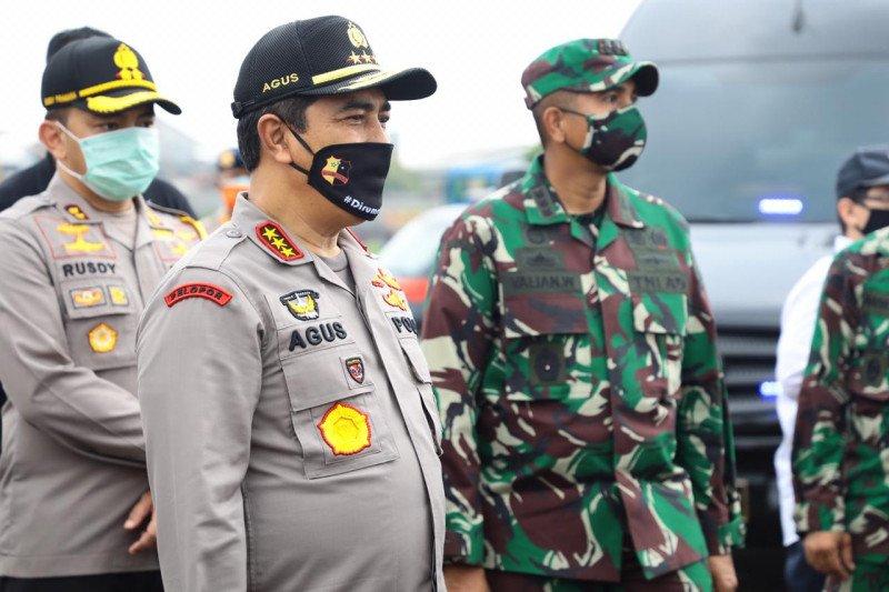 Kaopspus Aman Nusa II mengecek dapur umum TNI-Polri
