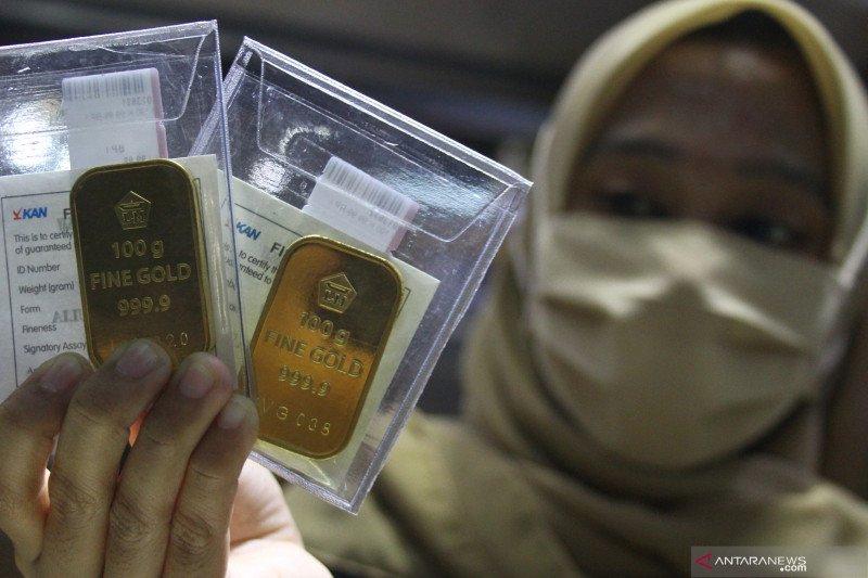 Harga emas berjangka juga anjlok 23,4 dolar AS, terimbas kejatuhan harga minyak