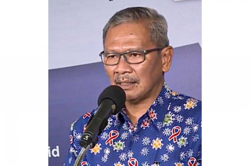 Achmad Yurianto mencuri perhatian, pakai batik motif corona