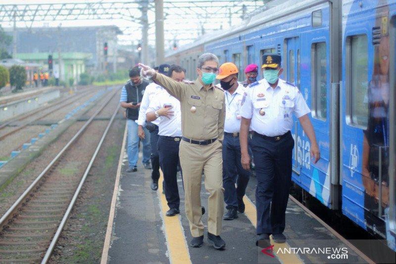 Tidak ada antrean penumpang KRL di Stasiun KA Bogor