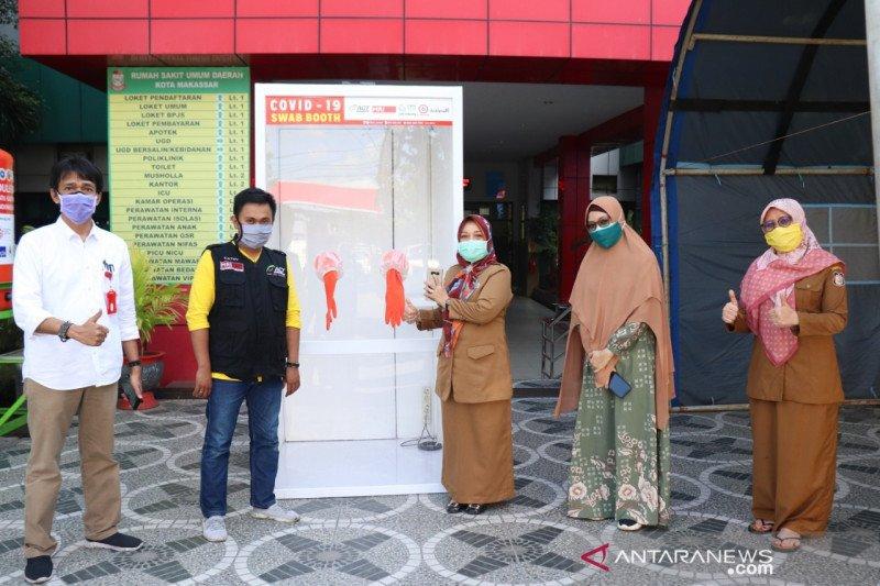 PLN Punagaya  gandeng ACT Sulsel salurkan swab booth ke RSUD Kota Makassar