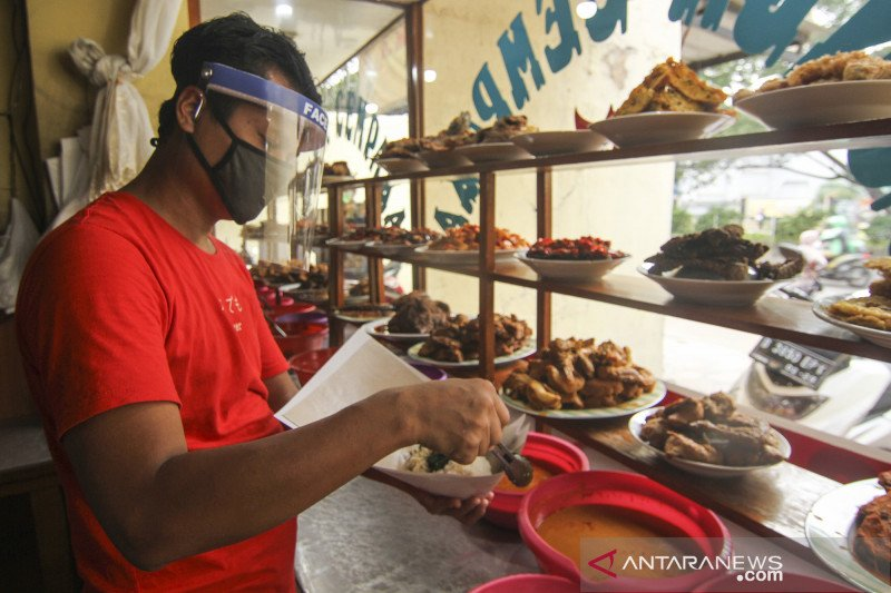 Satpol PP Kota Depok ingatkan pengelola rumah makan untuk terapkan protokol kesehatan