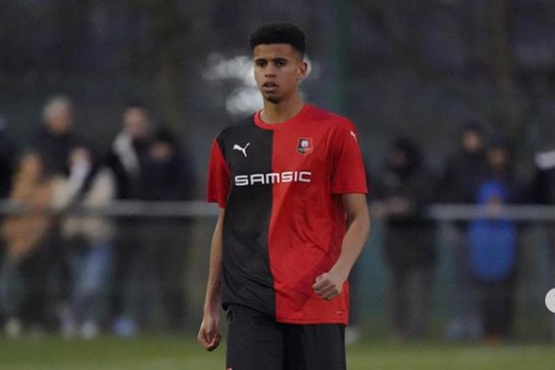 Gelandang U-16 tahun jadi rebutan PSG, Arsenal dan Sevilla