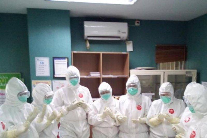 Perawat RSUD Banten berjuang ingin pasien COVID-19 sembuh