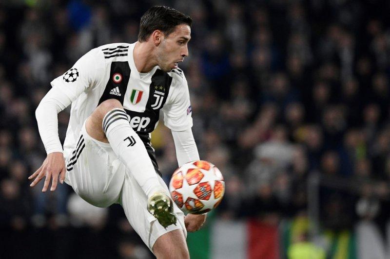 Valencia dan PSG tertarik bek Juventus Mattia De Sciglio