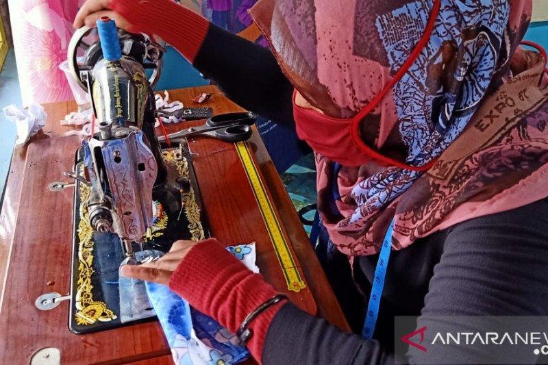 Perempuan penyintas gempa di Sulteng berperan penting lawan COVID