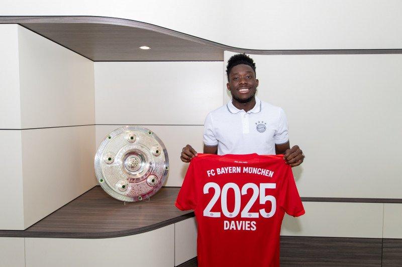 Kontrak Davies sebagai pemain Bayern Munich diperpanjang