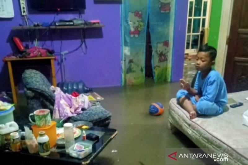 Seratusan rumah di Cianjur tergenang banjir